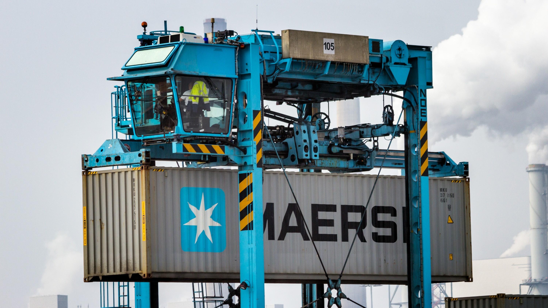 maersk line cashed 1 bn in 2018 on demurrage detention maersk line container detention charges